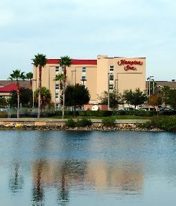 Hampton Inn Rocky Point, Tampa — Exterior Water View