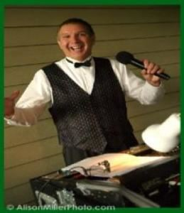 Pro Show Disc Jockey Service, Ponte Vedra Beach — Professional Disc Jockey Bill Jones is a full time entertainment and wedding professional.  His resume includes over a decade of service as a mobile DJ, radio personality, 2 years of stand up comedy and several years of nightclub experience.