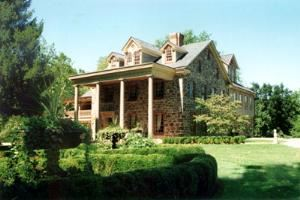 Moonstone Manor, Elizabethtown
