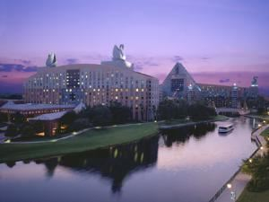 Walt Disney World Swan and Dolphin, Orlando — Exterior