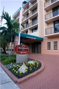 Residence Inn Miami Coconut Grove, Miami — Residence Inn by Marriott Miami Coconut Grove front entrance