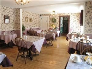 Dining Room, The Buttonwood Inn, North Conway — Dining Room: