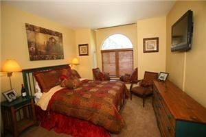 Galena Street Mountain Inn Bed and Breakfast, Frisco — Newly Remodeled!