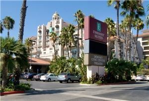 Embassy Suites, Los Angeles-Downey, Downey — The Embassy Suites, Los Angeles-Downey is conveniently between downtown Los Angeles, Anaheim and Long Beach
