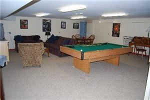 Recreation Room, Inn at Cranberry Farm in Vermont, Chester