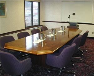 Board Room, Green Mill Restaurant And Bar At The Best Western Kelly Inn, Minneapolis — The Board Room and 2 conference rooms can be set up with any number of chair or table set ups. Fully wired for conference calls, overheads and other media.