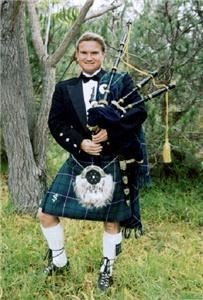 Maui Celtic, Lahaina — Maui wedding bagpiper Hamish Douglas Burgess is a Scottish piper, available on Maui to play the pipes at your ceremony or reception. Hamish plays the Great Highland Bagpipe and has played many cultural events and weddings here on the island for 10 years. It is appropriate here to mix the beach and sunset ceremony with a piper.  