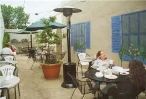 Outdoor Courtyard, Kona Bistro, Oxford