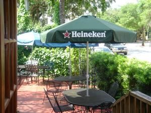 Patio 1, Café Trastevere, Orlando — Patio seating in large patio