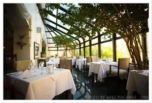 Solarium, La Maquette Restaurant, Toronto — Solarium - up to 45 guests for a sit-down function.
