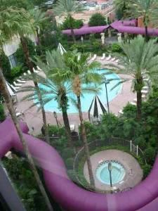 Pool Courtyard, The Castle Hotel, Autograph Collection, Orlando — Pool View