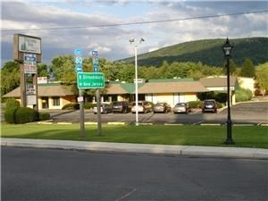 Pocono Inn at Water Gap, Delaware Water Gap — Hotel Front -- easy access to I-80