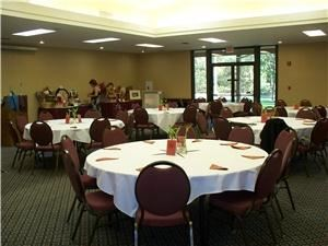 Oak Glen, Best Western Sonora Oaks Hotel, Sonora — This room comes with a complimentary screen and  large prep kitchen. This room can be set up in many different shapes. There is a lobby for display tables. We also have a large grassy area and covered patio with additional seating.
