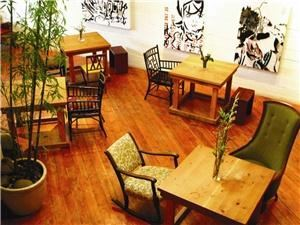 The Bamboo Grove Salon, Portland — The front room, also used as a tea room, or classroom space, or gallery space. Complete with a kitchen, bathroom, and foyer.