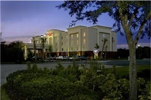 Hampton Inn Titusville, Titusville — The Hampton Inn Titusville