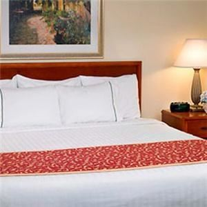 MainStay Suites, Pensacola — King Bed Suite