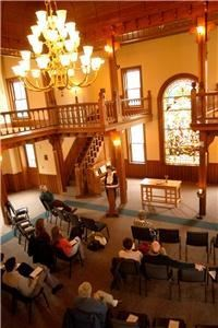 Center For Campus Ministry, Maryville College, Maryville — The Center for Campus Ministry is a beautiful facility for weddings and special meetings. The space can be set a variety of different ways and features a stunning stained glass window. Capacity is 85.
