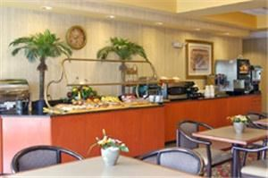 General Breakfast Area, Wingate by Wyndham at Orlando International Airport, Orlando
