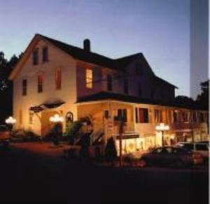 the whistling swan inn and restaurant fish creek wi