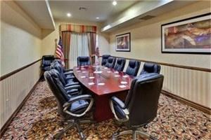Board Room, Holiday Inn Express & Suites Beaumont - Oak Valley, Beaumont