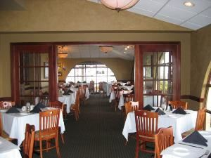 Sunset Room, Pier 22 Restaurant, Patio, Ballroom & Catering, Bradenton — Sunset Room