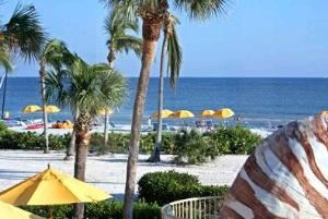 Main Pool Deck, Sundial Beach  & Golf Resort, Sanibel — Main Pool Deck
