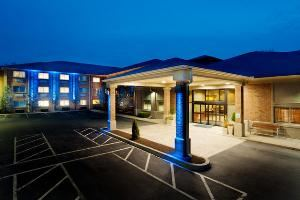 Holiday Inn Express and Suites, Smithfield