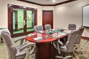 Boardroom, Holiday Inn Express Downtown, Edmonton — Boardroom 225 Square Feet