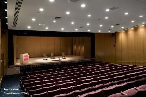 Auditorium, Japan Society, New York — Photo © Peter Aaron/ESTO.