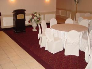 Kennedy Room, Howard Johnson Express Inn & Suites Brampton, Brampton — THE KENNEDY ROOM and THE SKYLIGHT ROOM are perfect for :WEDDINGS CORPORATE EVENTS BIRTHDAYS CHRISTMAS PARTIES ANNIVERSARIES REUNIONS SEMINARS ENGAGEMENT PARTIES JACK AND JILL SPORTS BANQUETS AWARD DINNERS DINNER AND SHOW EVENTS SALES AND PRODUCT LAUNCHES