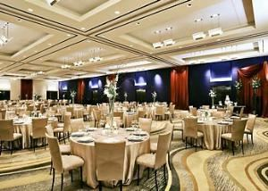 Grand Ballroom, Dallas/Fort Worth Marriott Solana, Roanoke — Large or small, simple or extravagant, we have the perfect space to meet your wedding planning needs.