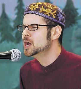 Brian Rohr Storyteller, Port Townsend — Brian @ The Forrest Storytelling Festival in Port Angeles. Washington. This photograph appeared in the Peninsula Daily News.