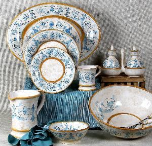 "Artistica Italian Gallery, Winnetka — At Artistica Italin Gallery we feature the largest assortment of genuine Italian hand painted dinnerware masterfully hand decorated by old school artists from Deruta, Amalfi and Faenza. Tuscan Home Decor ""Old World"" Majolica hand painted."