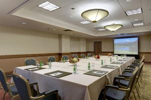 Half-Day Complete Meeting Package, Hilton Hotel Bellevue, Bellevue — Meeting Room