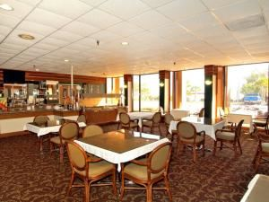 Dining Room, Quality Inn & Suites Pensacola, Pensacola