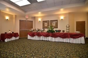 Virginia Dare3, BEST WESTERN PLUS Heritage Inn, Rancho Cucamonga — Virginia Dare is our most flexible event space with 1300 square feet we can accomodate any type of set up with up to 175 people theater style or 100 people banquet style set up.