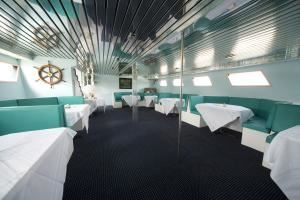 Key West Room, The Carolina Girl Yacht, Charleston