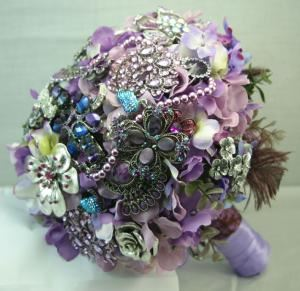 Brooch Bouquet by Affluence, Mableton — Affluence Flower Studio is based in Atlanta, GA. We happily ship our jewelry brooch bouquets anywhere in the world! We look forward to creating a lasting memory for your wedding day!