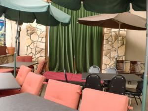 Heated Outdoor Patio, Flappers Comedy Club & Restaurant - Burbank, Burbank
