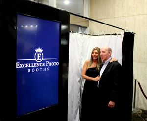 Platinum Package, Excellence Photo Booths, Broken Arrow — Couple shot