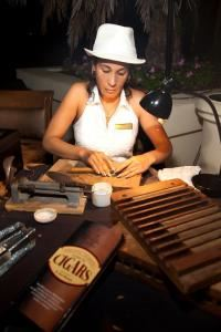 On-Site Cigars Entertainment, Miami — A cigar should correspond to a moment of intensive pleasure, enjoyment and relaxation.