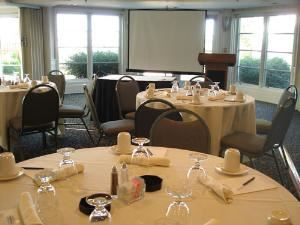 Lower Lake Room, BayView Event Center & Charter Cruises, Excelsior — Lower Lake Room