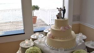 Bronze Package, In Motion Video, Baltimore — Wedding Cake