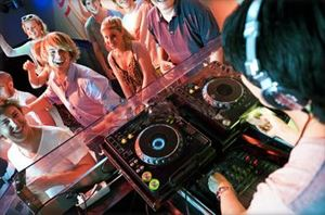 Fun, Fun, Fun DJ Package, VIP DJs, Wheaton