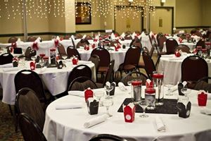 Large Wedding Package, Comfort Inn & Suites Omaha Central, Omaha — Hotel Wedding without the Hotel Prices