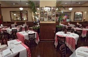 Dining Room, Maggiano's Little Italy - Chevy Chase, Washington — Dining Room