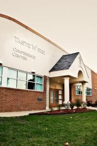 Taste 'N' See Events and Banquets, Taste 'N' See Events and Banquets at The Murray Center, Norfolk — Taste 'N See Is Downtown Norfolk's 