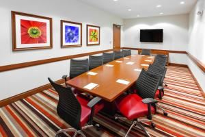 Executive Boardroom, DoubleTree by Hilton Raleigh - Cary, Cary