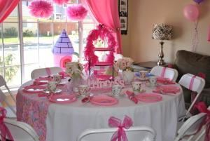 Traveling Tea kids parties, Corona — princess tea party table in orange county. Travelingtea.org 949-394-4678