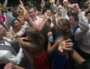 Proms Package, ORIGINAL MR DJ - Chicago, Chicago — Prom Dancing